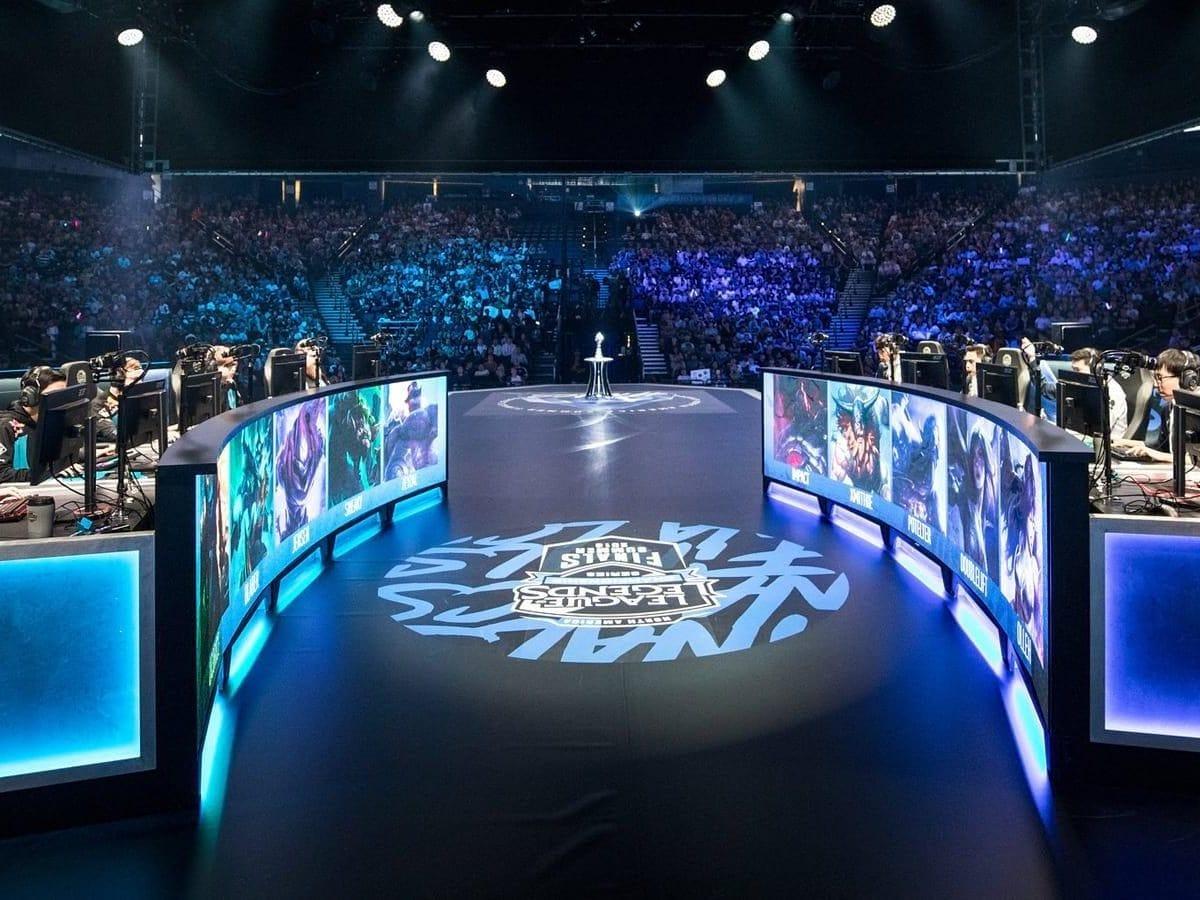 League of Legends - esports scene
